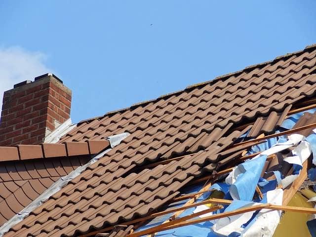 Quand réparer votre toiture en tuiles ?