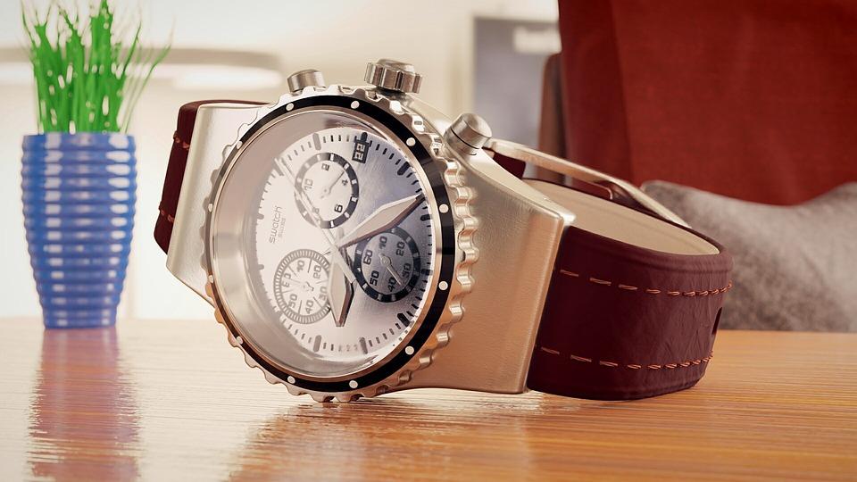 Montre suisse mécanique vs montre suisse à quartz