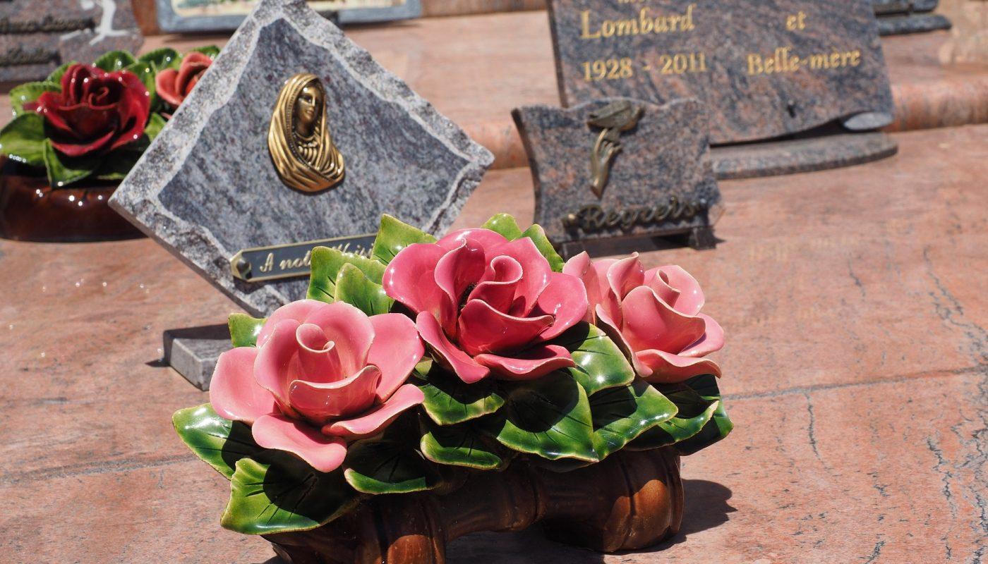 quel est le prix d'une plaque funéraire