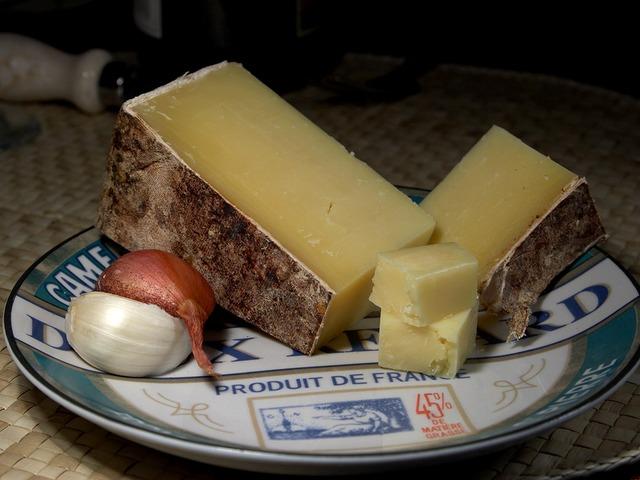 Comment bien faire fondre du fromage au micro-onde ?