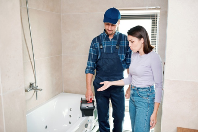 Conseils plomberie : que faire pour que l'eau chaude arrive plus vite ?